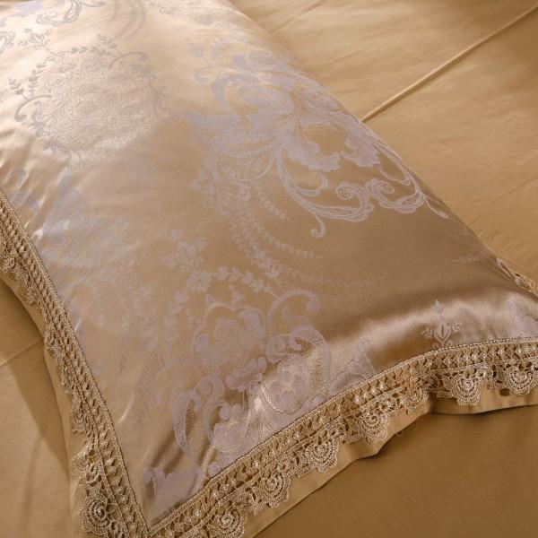Комплект постельного белья жаккард с вышивкой Дуэт Семейный