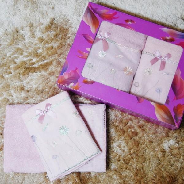 Набор полотенец в подарочной упаковке 833